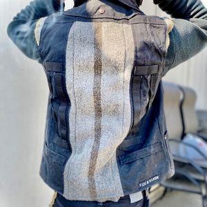 🦊 FOX & VIXEN Black Hooded Oilskin Canvas Vest